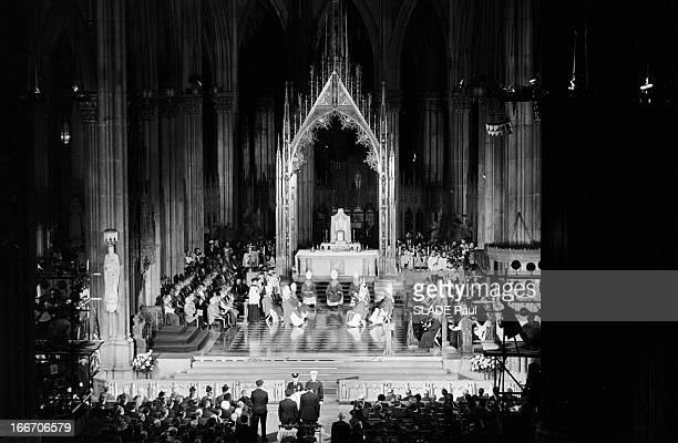 Funeral Of New York Archbishop Francis Joseph Spellman En décembre 1967 Aux EtatsUnis à la cathédrale Saint Patrick les obsèques de l'archevêque de...