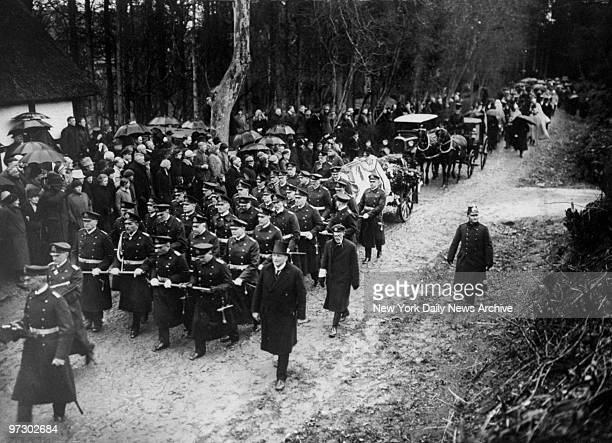 Funeral of Prince Henry of Prussia Coffin rests on gun carriage drawn by 32 naval officers most of whom were Uboat commanders during WWI