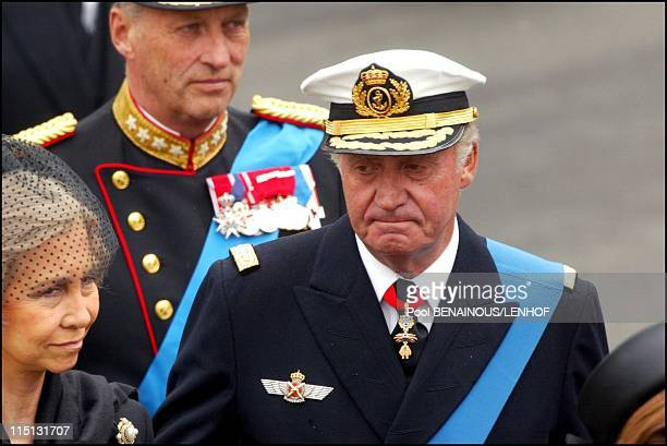 Funeral of Queen Mum in London United Kingdom on April 09 2002 King Harald of Norway King Juan Carlos of Spain and wife Sofia