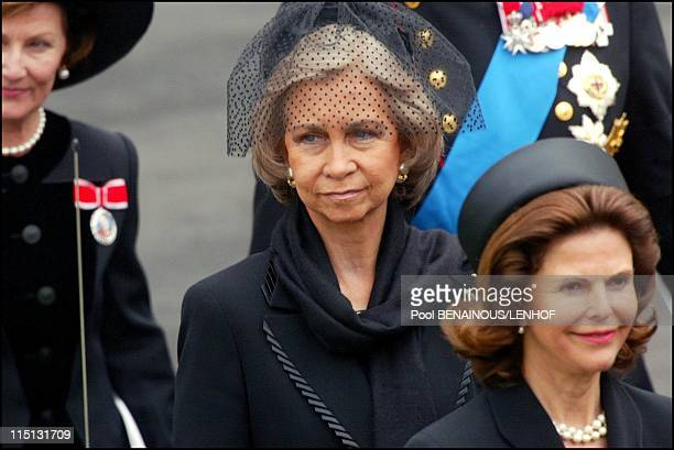 Funeral of Queen Mum in London United Kingdom on April 09 2002 Queen Sofia of Spain Queen Sylvia of Sweden