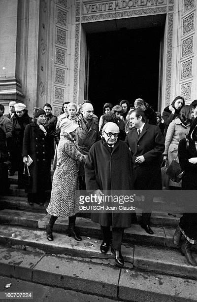 Funeral Of René Simon The Church St Francis Xavier. Paris- 19 février 1971- Les obsèques de René SIMON à l'église Saint-François Xavier. L'époux de...