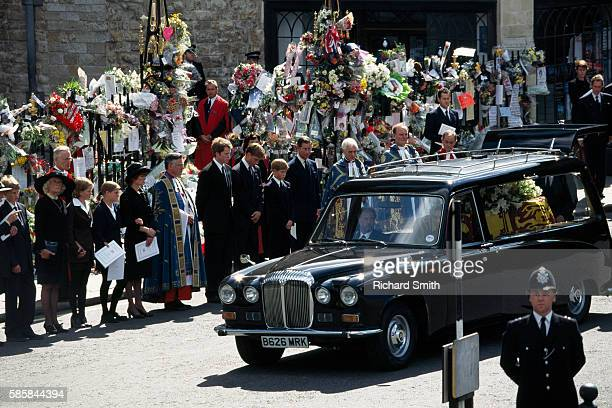 Funeral procession and coffin of Princess Diana in front of Prince Charles and Princes Harry and William