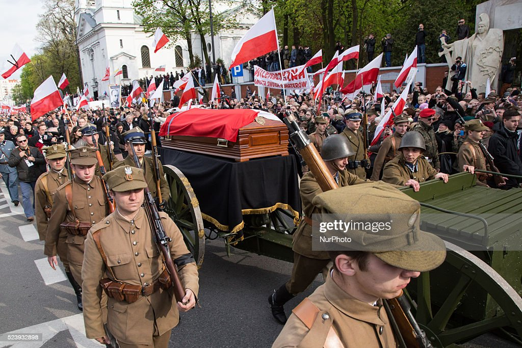 "Funeral procession during Zygmunt ""Lupaszka"" Szendzielarz's funeral in Warsaw on 24 April, 2016."