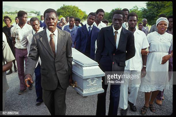 funeral procession in haiti - pallbearer stock pictures, royalty-free photos & images