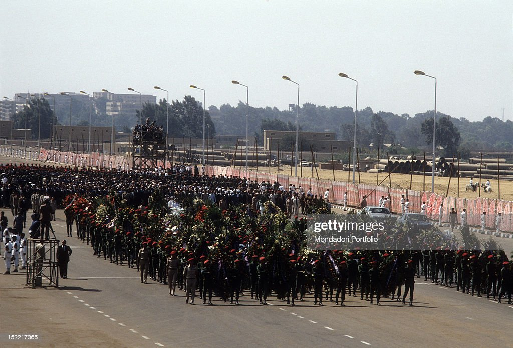 Funeral Procession of Sadat President : News Photo
