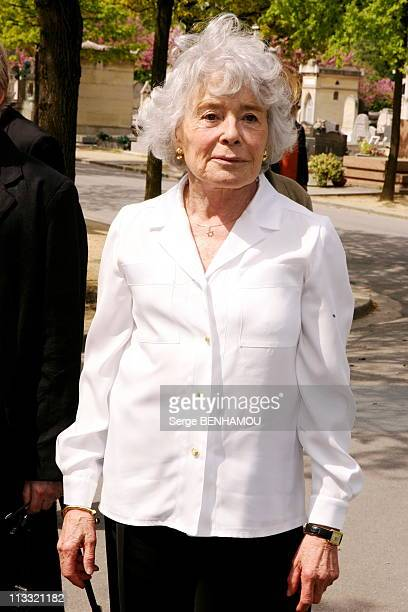 Funerals Of JeanFrancois Revel On The Cimetery Of Montparnasse On May 5Th 2006 In Paris France Here Claude Sarraute