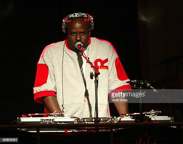 Funk Master Flex performs at the MTV Networks UpFront at The Theater at Madison Square Garden May 05 2004 in New York City