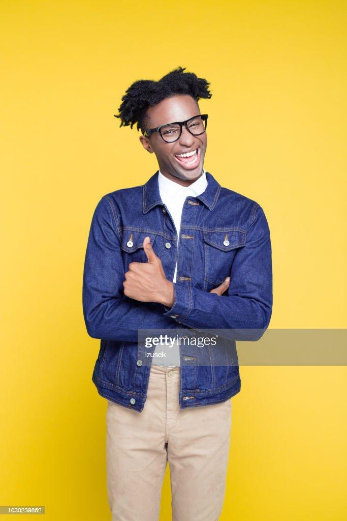 Portrait Style 80 S Drole De Fromage Jeune Homme Ringard Photo Getty Images