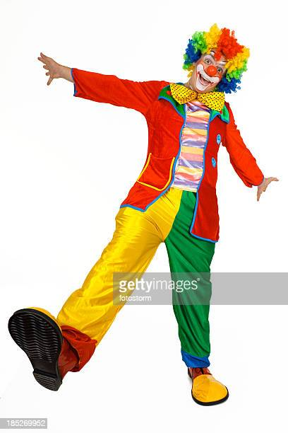 Lustiger clown in bunte Kleidung