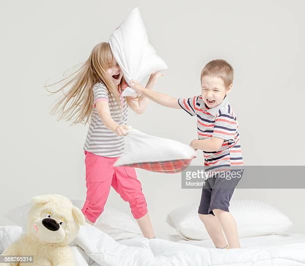 Funny Fight on Pillows