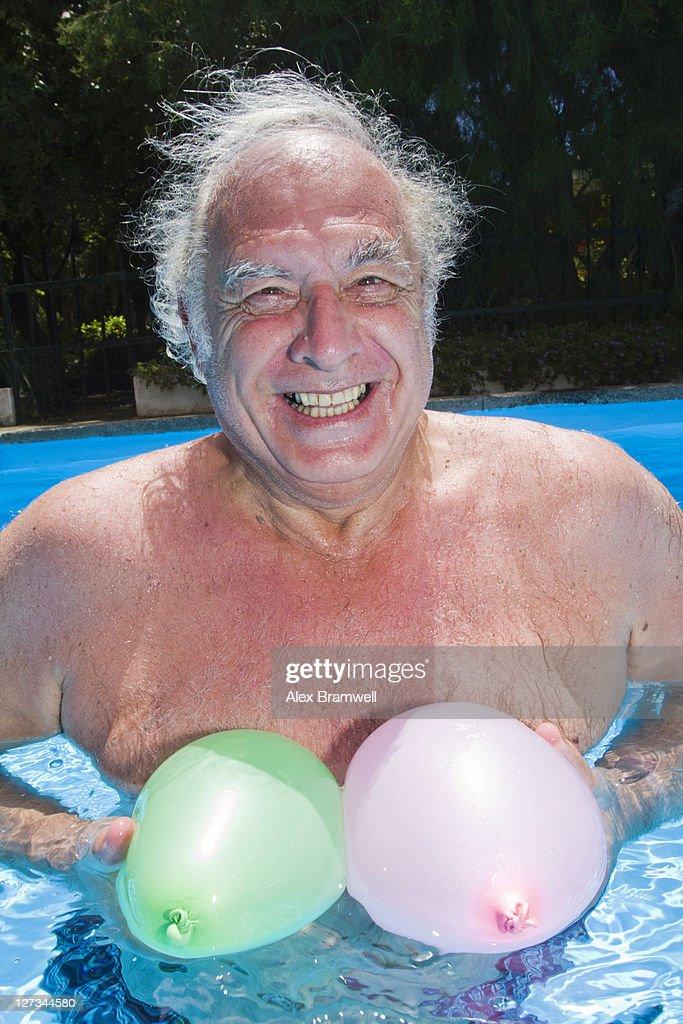 Funny pool moment : Bildbanksbilder