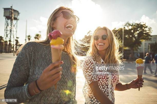 funny summer day - ijs stockfoto's en -beelden