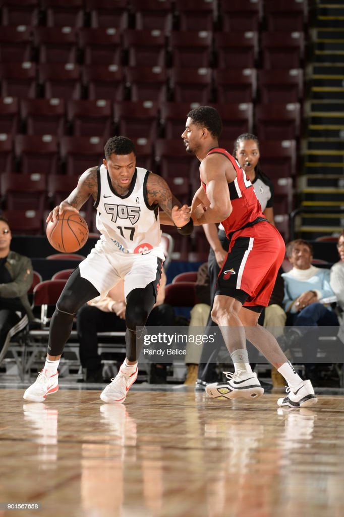 Fuquan Edwin #17 of the Raptors 905 handles the ball during the NBA G-League Showcase Game 22 between the Sioux Falls Skyforce and the Raptors 905 on January 13, 2018 at the Hershey Centre in Mississauga, Ontario Canada.