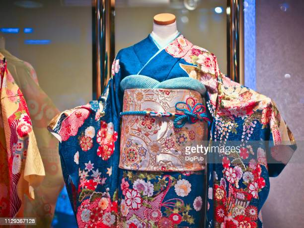 furisode kimono on headless mannequin - kimono stock pictures, royalty-free photos & images