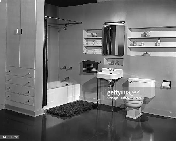 435 1940s Bathroom Photos And Premium High Res Pictures Getty Images