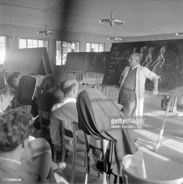 Further training course for teachers in handicrafts Schwyz 1957