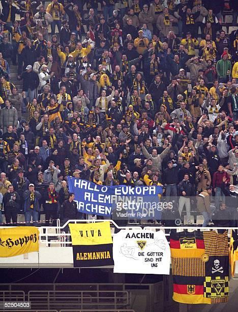 Fusball UEFA Pokal 04/05 Athen AEK Athen Alemannia Aachen 02 Aachener Fans nach dem Spielende 151204