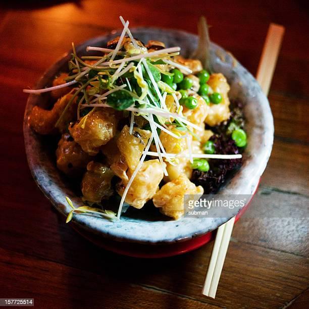 Fusion-Küche mit Sushi