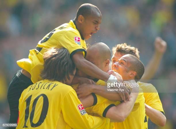 Fussball 1 Bundesliga 03/04 Dortmund Borussia Dortmund FC Bayern Muenchen 20 Jubel nach dem Tor zum 20 durch Christian WOERNS / BVB 170404