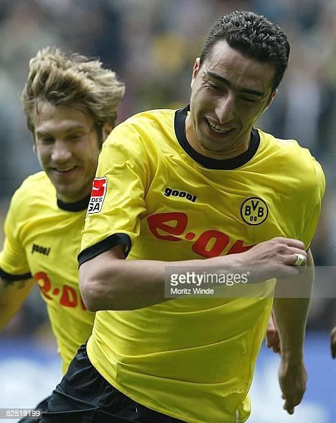 Fussball 1 Bundesliga 03/04 Dortmund Borussia Dortmund FC Hansa Rostock Ahed MADOUNI / Dortmund Torsten FRINGS bejubeln das 10 010504