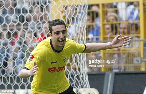 Fussball 1 Bundesliga 03/04 Dortmund Borussia Dortmund FC Hansa Rostock Ahmed MADOUNI / Dortmund bejubelt das 10 010504
