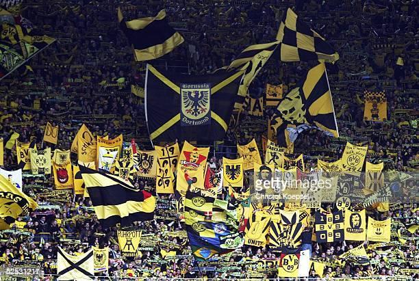 Fussball 1 Bundesliga 03/04 Dortmund Borussia Dortmund VfL Bochum 41 Fans Suedtribuene / Dortmund 040404