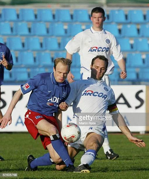 Fussball: 1. Bundesliga 03/04, Gran Canaria; Fussball-Turnier im Trainingslager; Hamburger SV - Hertha BSC Berlin; David JAROLIOM / HSV, Dick VAN...