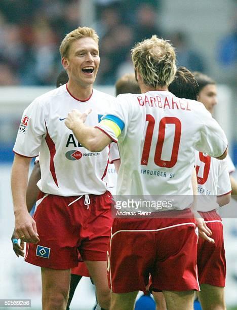 Fussball: 1. Bundesliga 03/04, Hamburg; Hamburger SV - 1. FC Koeln; Torjubel Christian RAHN und Sergej BARBAREZ / HSV 24.04.04.
