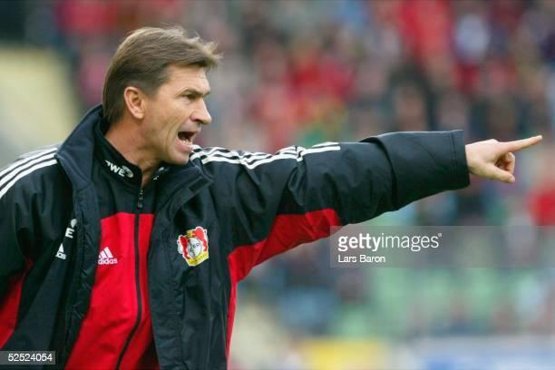 Fussball 1 Bundesliga 03/04 Leverkusen Bayer Leverkusen VfL Wolfsburg Trainer Klaus AUGENTHALER / Leverkusen 130304