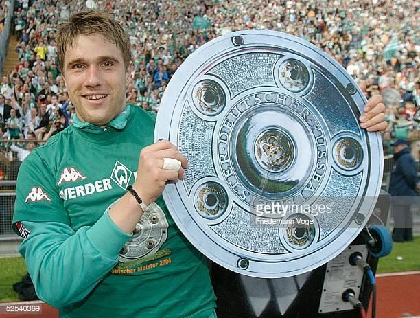 Fussball 1 Bundesliga 03/04 Muenchen FC Bayern Muenchen SV Werder Bremen 13 Jubel Ivan KLASNIC / Bremen 080504