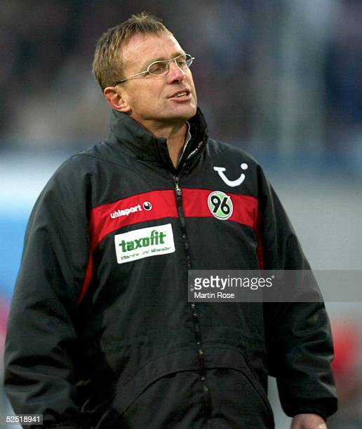 Fussball 1 Bundesliga 03/04 Rostock FC Hansa Rostock Hannover 96 Trainer Ralf RANGNICK / HANNOVER waere gerne mit 3 Punkten im Gepaeck zurueck nach...