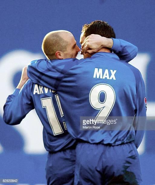 Fussball: 1. Bundesliga 03/04, Rostock; FC Hansa Rostock - Hannover 96; Torjubel zum 1-0: Torschuetze Magnus ARVIDSSON und Martin MAX / beide ROSTOCK...