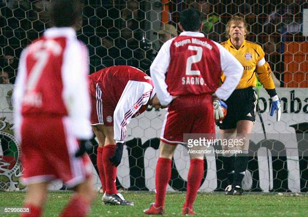 1 Bundesliga 04/05 Bielefeld 130205 Arminia Bielefeld FC Bayern Muenchen Mehmet SCHOLL LUCIO Willy SAGNOL Oliver KAHN / Bayern FotoBONGARTS/Alexander...