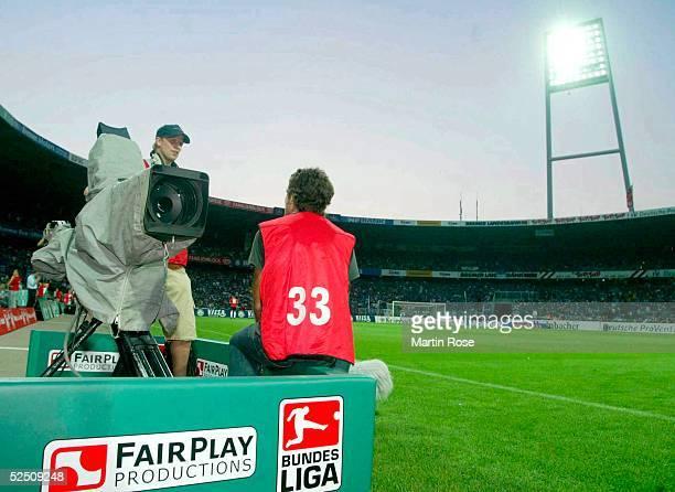 Fussball 1 Bundesliga 04/05 Bremen SV Werder Bremen FC Schalke 04 Aufgrund eines Stromkabelschadens gibt es keine Live Bilder vom Spiel 060804