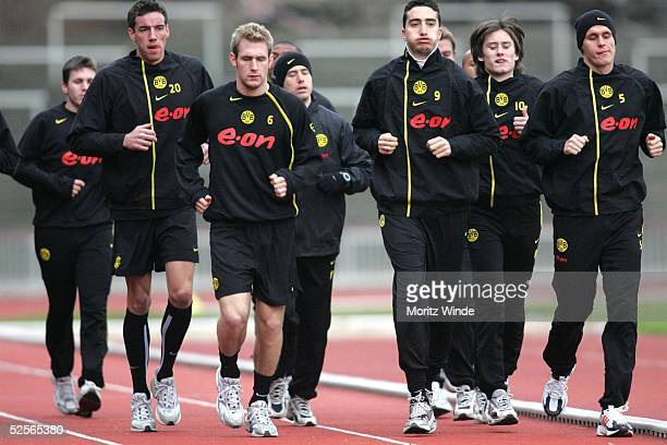 Fussball 1 Bundesliga 04/05 Dortmund Borussia Dortmund / Training Lauftraining der Profis 030105