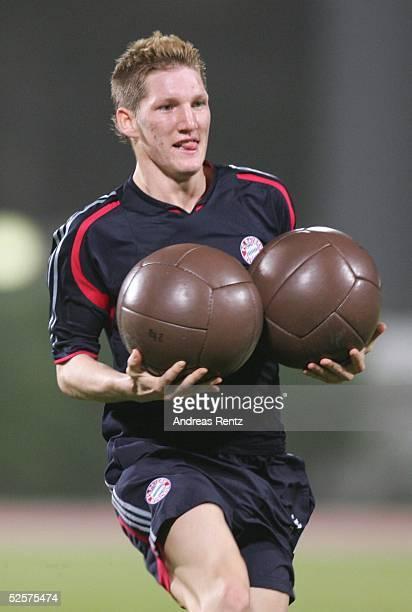 Fussball 1 Bundesliga 04/05 Dubai FC Bayern Muenchen / Trainingslager Bastian SCHWEINSTEIGER 080105