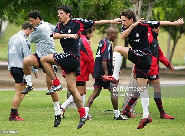 Fussball 1 Bundesliga 04/05 Dubai FC Bayern Muenchen / Trainingslager Claudio PIZARRO Roy MAKAAY Owen HARGREAVES 110105