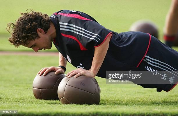 Fussball 1 Bundesliga 04/05 Dubai FC Bayern Muenchen / Trainingslager Oweb HARGREAVES 070105