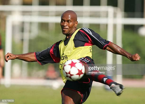 Fussball 1 Bundesliga 04/05 Dubai FC Bayern Muenchen / Trainingslager Ze ROBERTO 100105