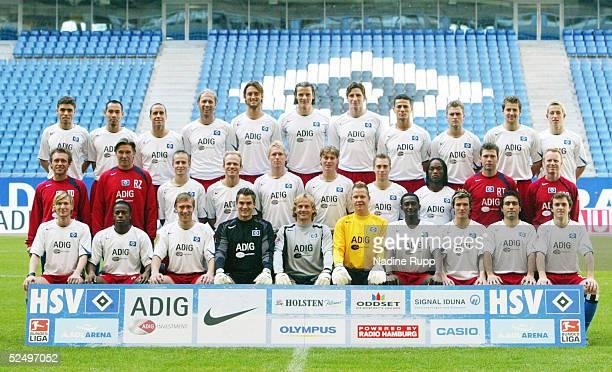 Fussball 1 Bundesliga 04/05 Hamburg Hamburger SV / Mannschaftsfoto Hintere Reihe Jean Carlos DONDE Naohiro TAKAHARA Stefan BEINLICH Sergej BARBAREZ...