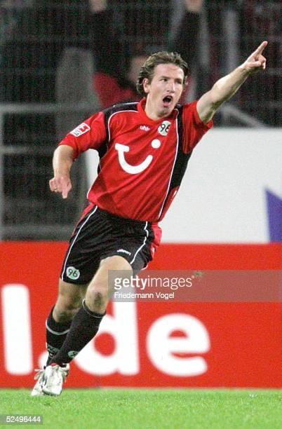 Fussball 1 Bundesliga 04/05 Hannover Hannover 96 VfL Wolfsburg 30 Jubel Daniel STENDEL / Hannover 96 171004