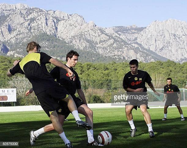 Fussball 1 Bundesliga 04/05 Kemer Borussia Dortmund / Trainingslager / Training Florian KRINGE Christoph METZELDER Marc Andre KRUSKA Salvatore...