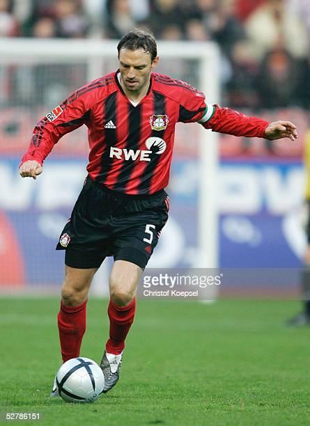 Fussball 1 Bundesliga 04/05 Leverkusen 290105Bayer 04 Leverkusen VfL Bochum 40Jens NOWOTNY/Leverkusen
