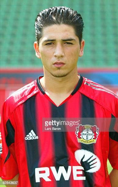 Fussball 1 Bundesliga 04/05 Leverkusen Bayer 04 Leverkusen / Portraittermin Sezer OEZTUERK 050804