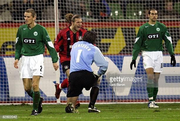 Fussball 1 Bundesliga 04/05 Leverkusen Bayer 04 Leverkusen VfL Wolfsburg 21 Jubel zum 11 Andrej VORONIN / Bayer Thomas RYTTER Torwart Simon JENTZSCH...