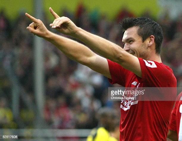 Fussball 1 Bundesliga 04/05 Mainz FSV Mainz 05 Borussia Dortmund 11 Benjamin AUER / Mainz juebelt nach dem 11 260904