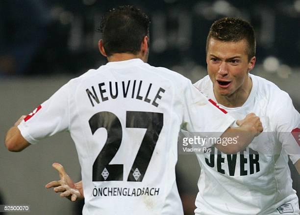 Fussball 1 Bundesliga 04/05 Moenchengladbach Borussia Moenchengladbach 1 FC Nuernberg 20 Jubel nach dem Tor zum 20 Oliver NEUVILLE Torschuetze Vaclav...