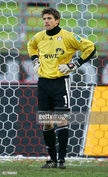 Fussball 1 Bundesliga 04/05 Muenchen 050205FC Bayern Muenchen Bayer 04 LeverkusenJoerg BUTT nach dem 01 genervt/Leverkusen