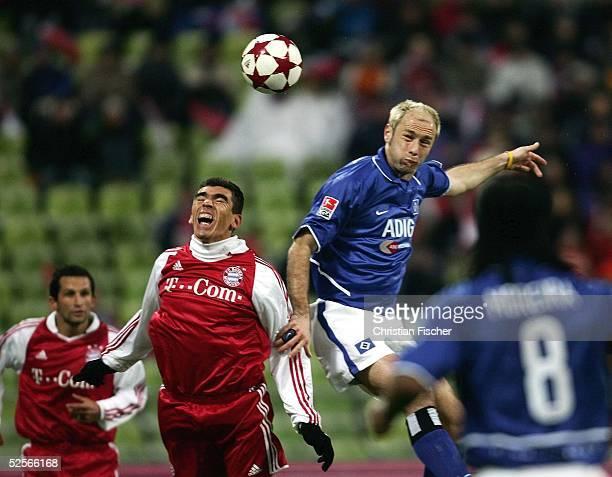 Fussball 1 Bundesliga 04/05 Muenchen FC Bayern Muenchen Hamburger SV 30 LUCIO / Bayern gegen Sergej BARBAREZ / HSV 210105