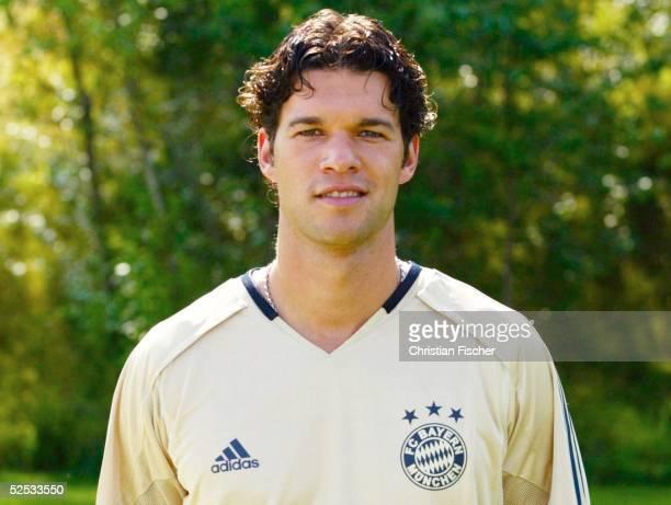 Fussball 1 Bundesliga 04/05 Muenchen FC Bayern Muenchen Mannschaftsportraits Portrait Michael BALLACK 210704